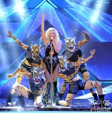 Kesha and pyramids